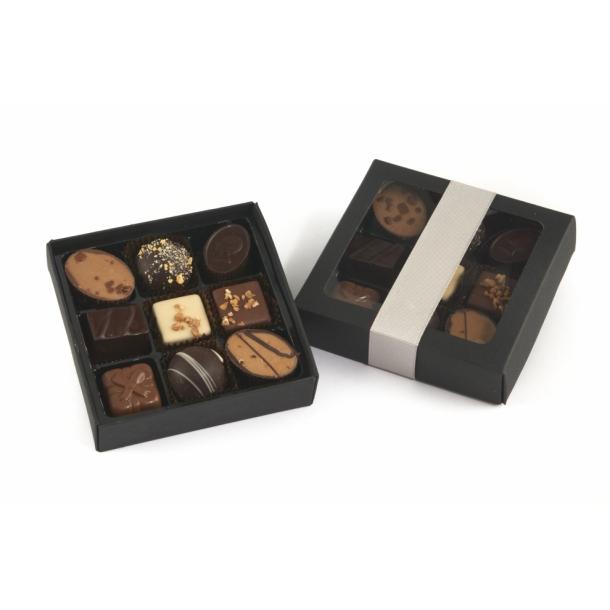 Fyldt chokolade i sort karton 9 stk.