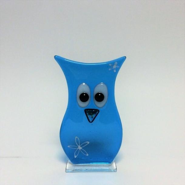 Ugle i mellemblå glas