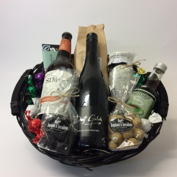... / Produkter / Firmagaver / Gavekurv med australsk vin og tysk øl