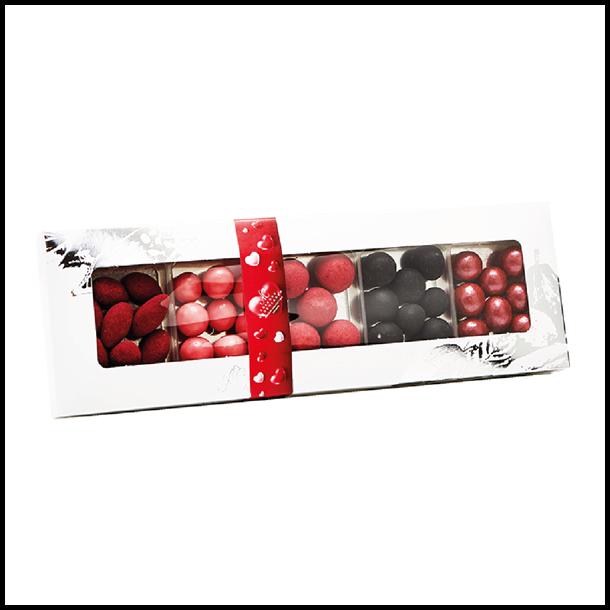 Chokoladen æske til Mors med 5 forskellige dragee.